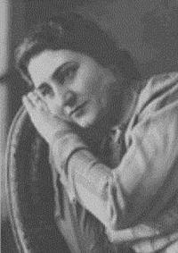 20 May-Həqiqət Rzayevanın doğum günüdür.