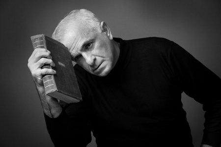 24 May-Görkəmli aktyor Fuad Poladovun doğum günüdür.