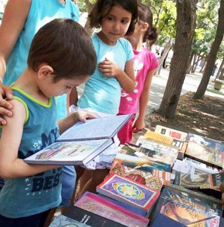 Uşaqlar üçün kitab sərgisi açıldı