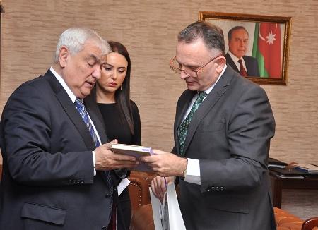 Kamal Abdulla İsrail səfiri ilə görüşüb