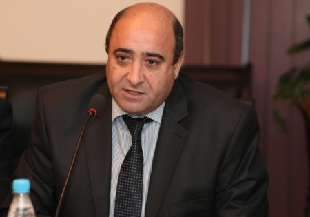 """""""Bəxtiyar Vahabzadənin pedaqoji görüşləri: müəllim həssaslığı, gənclərə qayğı"""""""