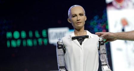 Dünyada vətəndaşlıq alan ilk robot -