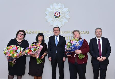 """""""Əməkdar müəllim"""" fəxri adı təqdim edilib"""