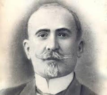 Azərbaycanın ilk ədəbiyyat tarixçisi