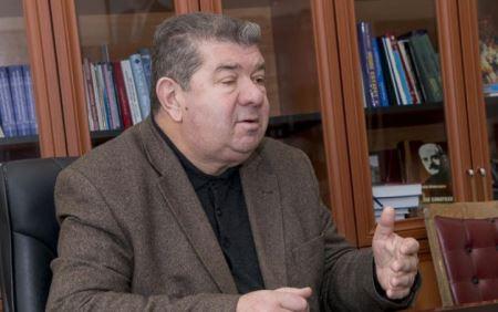Həsrətim vuruşur xatirələrdə - Nizaməddin Şəmsizadənin şeirləri