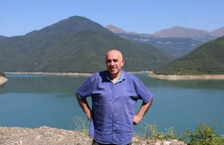 Müasir gürcü poeziyası: Davit Şemokmedeli