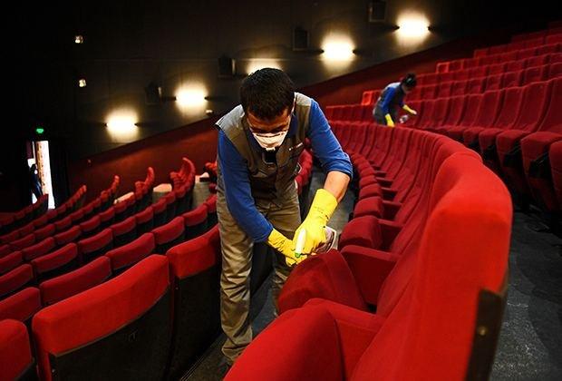Kinoteatrlarda yeni qaydalar: maska vacib, yanaşı oturmaq olmaz..
